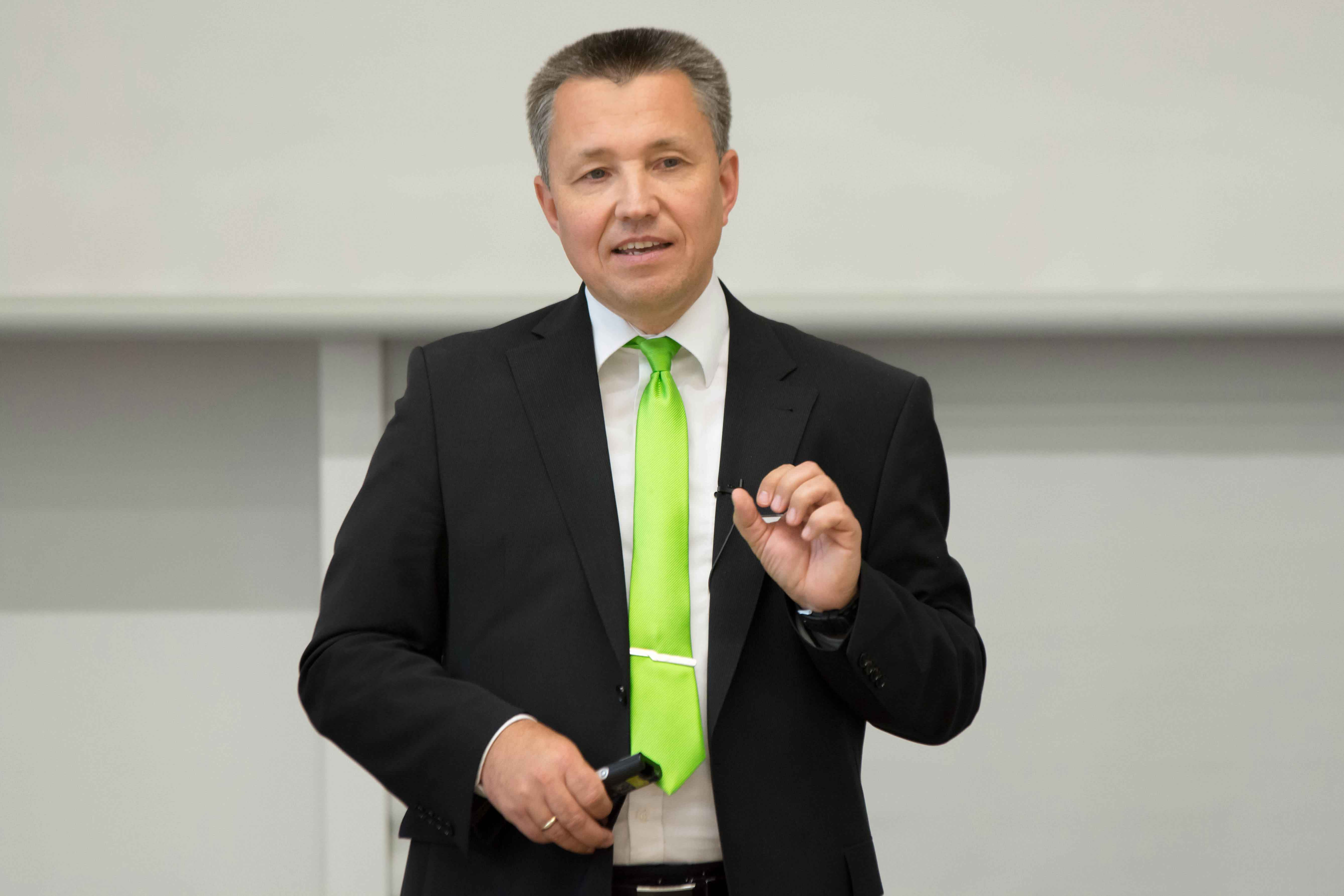 Herr Rudat zum KOMMUNIKATIONS-FORUM