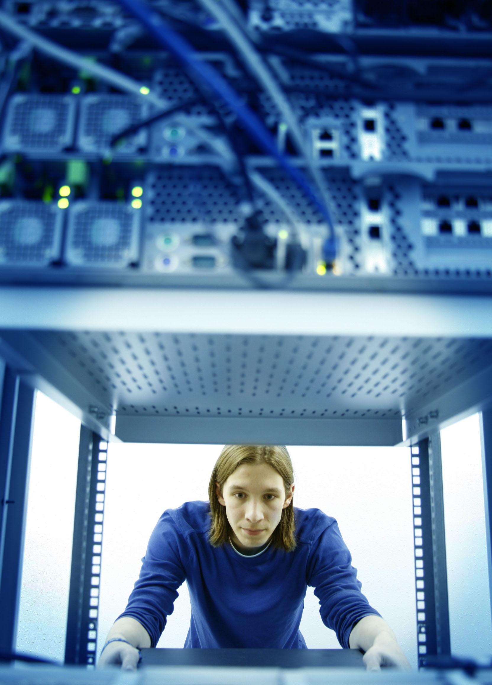 Komponenten einbauen als IT-Systemelektroniker (m/w)